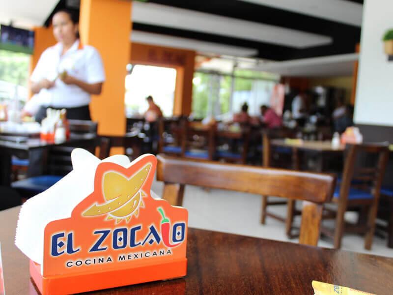 el-zocalo-plaza-kristal-02