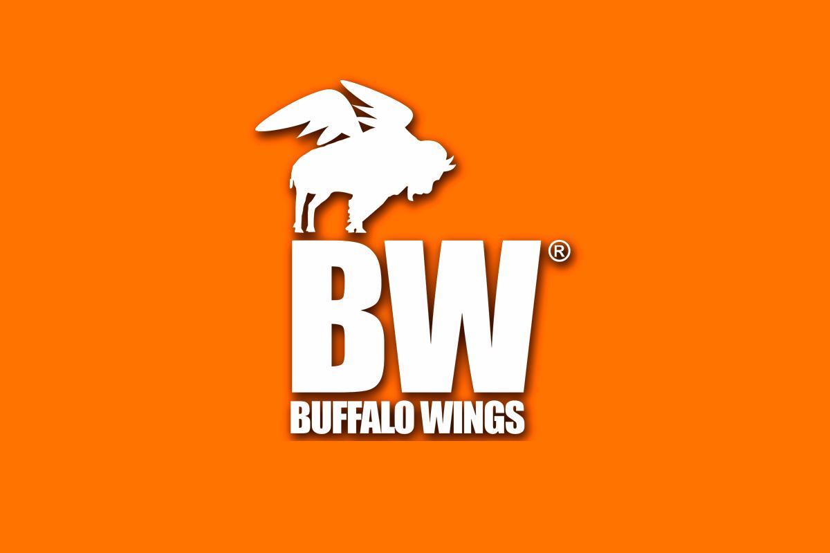 plaza-kristal-buffalo-wings